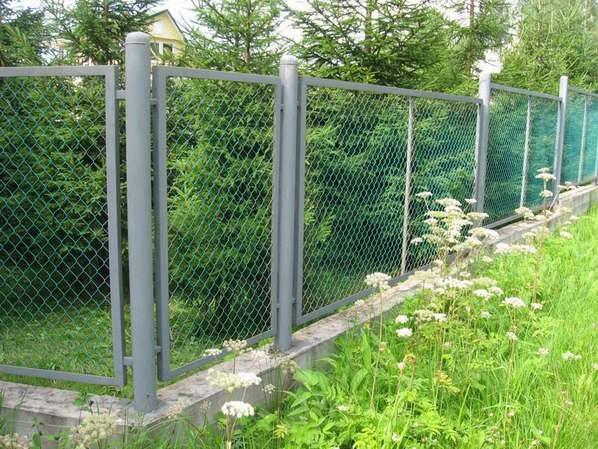 Забор из сетки рабица с каркасом фото и цены